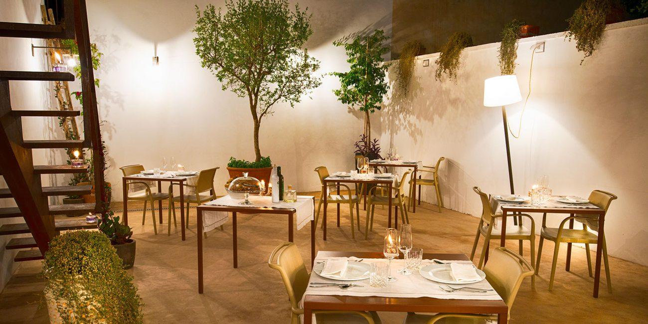 primo-restaurant-garden-side