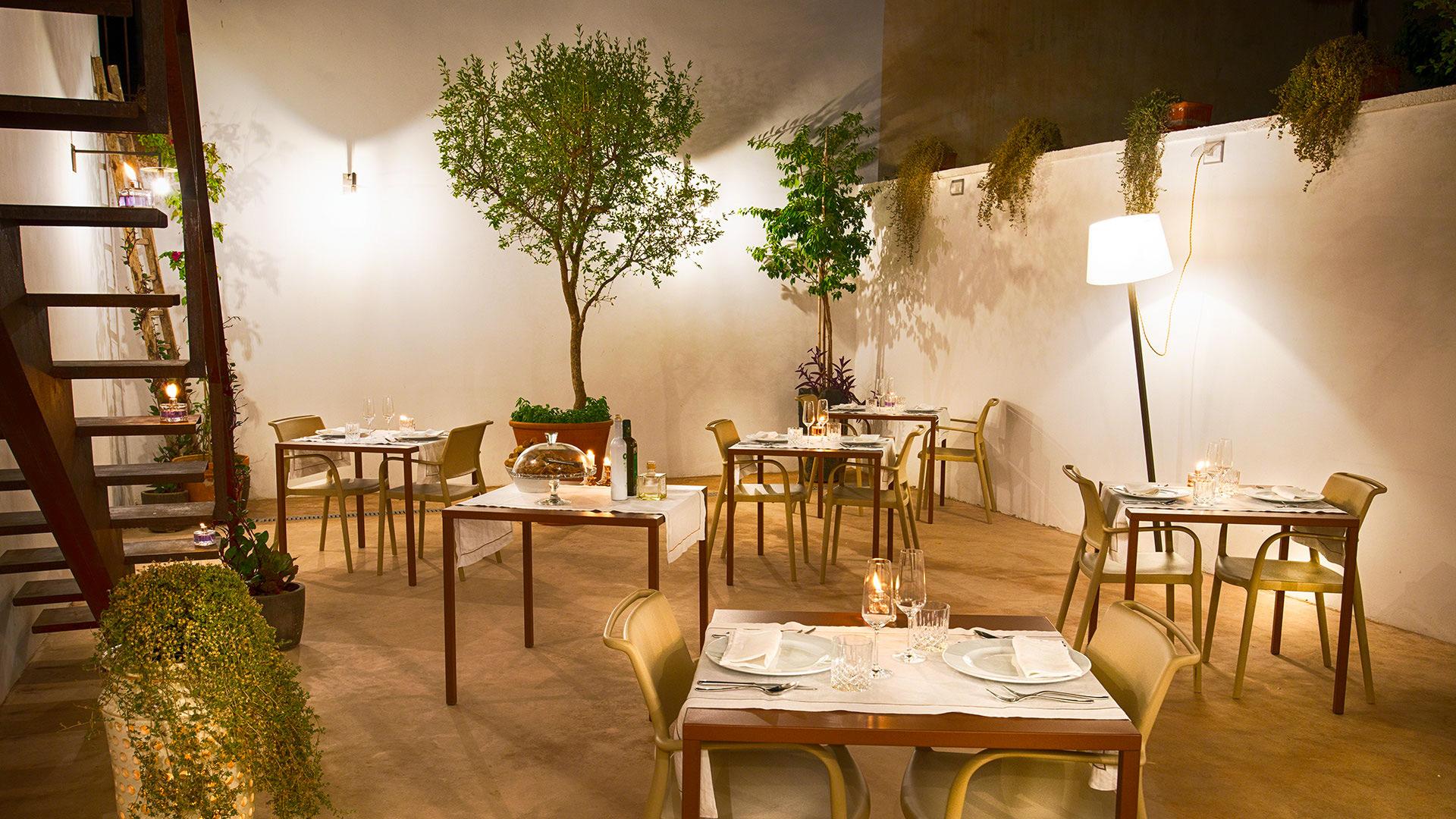 primo-restaurant-garden